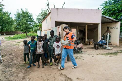 africa-volunteer cataract doctor  (1)