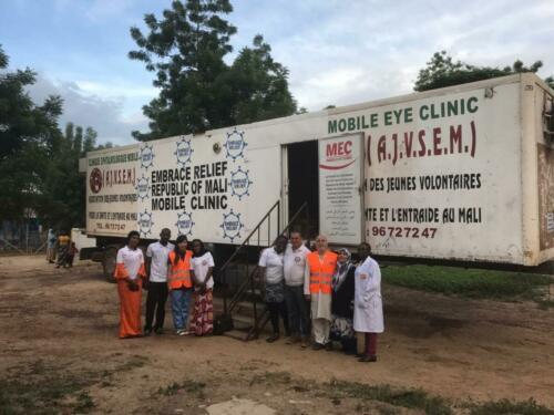 africa-volunteer cataract doctor  (5)
