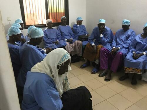 africa-volunteer cataract doctor  (6)